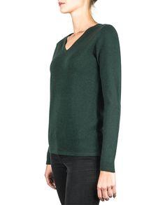 Ein sehr eleganter und schöner Damen Kaschmir Pullover V-Ausschnitt dunkelgrün in bester Qualität. Entdecken Sie bei uns unsere Kaschmir Kollektion. Elegant, Sweaters, Fashion, Cashmere Sweaters, Nice Asses, Women's, Classy, Moda, Chic