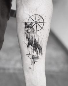 ▷ 1001 + ideas for a beautiful and meaningful compass tattoo - wolf tattoos - . - ▷ 1001 + ideas for a beautiful and meaningful compass tattoo – wolf tattoos – - Compass Tattoo Meaning, Compass Tattoo Design, Wolf Tattoo Design, Tattoos With Meaning, Wolf Tattoo Meaning, Wolf Design, Body Art Tattoos, Sleeve Tattoos, Heart Tattoos