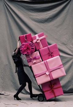 love it, a pink christmas!
