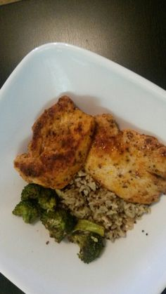 Meal prep doesn't have to be hard. Just grab your favorite protein veggies and add brown rice/quinoa and done! Favorite is meats2u.com house blend chicken breast!