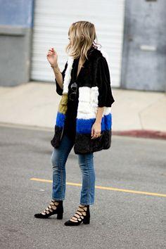 Vintage Furcoat striped faux fur, vintage denim lace-up low heels Street Style Chic, Street Style Looks, Looks Style, Style Me, Daily Fashion, Fashion Weeks, Foto Fashion, Power Dressing, Denim And Lace