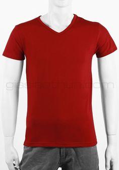 Với sự đặc trưng đơn giản đầy cổ điển sẽ phù hợp cho các chàng có phong cách đơn giản bụi bặm đơn giản những màu chủ đạo trong phong cách này chính là Đen - Trắng - Đỏ Đô - Xanh lá đậm hoặc nâu.