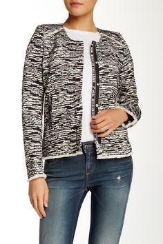 Perfect B+W Textured Jacket to throw on.
