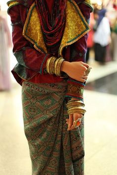 Aztec embroidery look (?indonesian fashion week)
