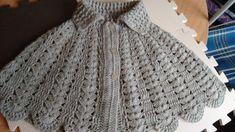 Manetes d'Or: Toquilla a ganchillo. Patrón. Crochet Cape, Crochet Jacket, Crochet Scarves, Crochet Shawl, Crochet Stitches, Crochet Patterns, Crochet Collar, Thread Work, Wrap Sweater