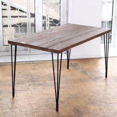 Table à manger style industriel avec hairpin legs http://www.homelisty.com/diy-hairpin-legs/