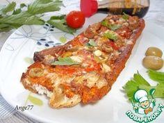 """Потерянный хлеб"""": Бутерброд      Багет (черствый, или 4 ломтика черствого батона) — 1/2 шт     Помидор — 1 шт     Оливки зеленые — 6 шт     Сыр твердый (тертый) — 3 ст. л.     Рыба (жареная, или курица) — 100 г  Заливка      Яйцо куриное — 2 шт     Соус томатный (или кетчуп) — 1 ст. л.     Сливки — 2 ст. л.     Соевый соус — 1 ст. л.     Чеснок — 1 зуб.     Зелень (мелко нарубленная, по вкусу) — 1 ст. л.     Специи (соль, смесь перцев) — по вкусу"""