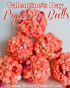 Are you looking for some festive treats to make this Valentine's Day? This one looks super cute and delicious!Head over to Mom on Timeout to see how to make these Valentine's Day Popcorn Balls! Valentines Day Treats, Valentine Day Crafts, Holiday Treats, Holiday Recipes, Holiday Fun, Valentine Recipes, Kids Valentines, Holiday Foods, Funny Valentine