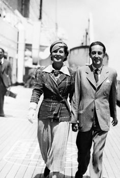 signorelli-girl: Norma Shearer and Irving Thalberg [and I love her little jacket] Hollywood Icons, Vintage Hollywood, Hollywood Glamour, Hollywood Stars, Classic Hollywood, Vintage Movie Stars, Vintage Movies, Irving Thalberg, Norma Shearer