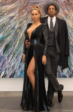 Beyonce & Jay-Z from Grammys 2018 Pre-Party Pics The duo turns heads at the Roc Nation brunch on Saturday night before the Grammys. Black Celebrity Couples, Black Love Couples, Celebrity Dresses, Celebrity Guys, Beyonce Knowles Carter, Beyonce And Jay Z, Couple Photoshoot Poses, Couple Photography Poses, Kings & Queens