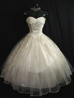 Vintage 1950's strapless Ivory tulle, satin & lace gown