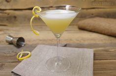 Havana Cocktail – prosty drink z rumem Martini, Rum, Cocktails, Havana, Tableware, Glass, Craft Cocktails, Dinnerware, Drinkware