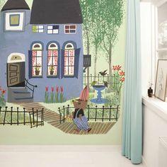 KEK Amsterdam Behang Bear with Blue House green multicolour vliespapier 243,5x280cm