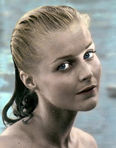 Carol Lynley Wet Hair In Pool Premium Quality Poster Female Actresses, Actors & Actresses, Classic Actresses, Hollywood Actresses, Classic Hollywood, Old Hollywood, Hollywood Stars, Carol Lynley, The Poseidon Adventure