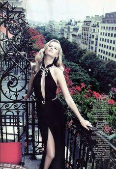 Toni Garn in a gorgeous elegant black gown