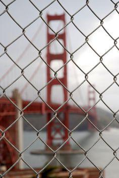 Golden Gate Bridge view from Fort Point Blur Image Background, Desktop Background Pictures, Banner Background Images, Studio Background Images, Hd Background Download, Background Images For Editing, Picsart Background, Photo Backgrounds, Fort Point