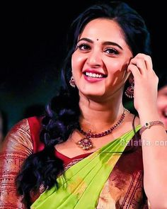 Plz mention while reposting Indian Actress Pics, South Indian Actress Hot, Most Beautiful Indian Actress, Indian Actresses, Anushka Images, Anushka Photos, Actress Anushka, Bollywood Actress, Anushka Shetty Saree