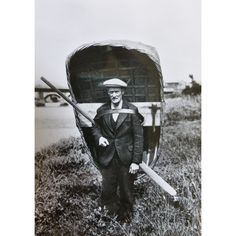 Vintage schwarz-weiß Postkarte, Carmarthen Coracle Mann, walisische... ($10) ❤ liked on Polyvore featuring vintage signs, vintage postcards, text signs, black and white home accessories and black and white postcards