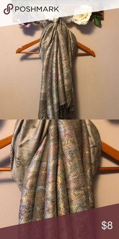 🧣 Paisley Iridescent Scarf 🧣 This scarf is thicker material. Very pretty paisley with multi shiny iridescent shine! Used in good condition. Accessories Scarves & Wraps