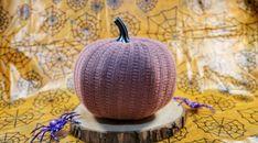 Sweater pumpkin Pumpkin Decorating, Decorating Tips, Sweater Pumpkins, Metallic Spray Paint, Jar Art, Glitter Top, Melting Crayons, Art Projects, Give It To Me