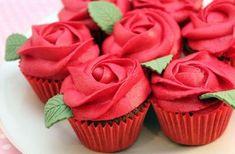 Garden Cupcakes, Red Cupcakes, Yummy Cupcakes, Wedding Cupcakes, Chocolate Cupcakes, Flower Cupcakes, How To Ice Cupcakes, Decorated Cupcakes, Heart Cupcakes