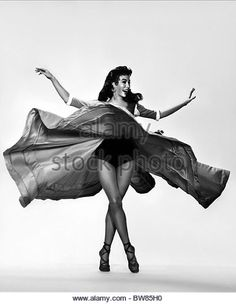 rita-moreno-the-vagabond-king-1956-bw85h0.jpg (418×540)
