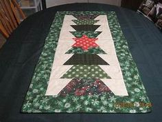 You have to see Christmas Table Runners on Craftsy!