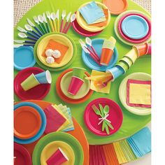 #gobright // We have any color  plate, napkin, cup, utensil, and or tablecloth you need @diddamsparty