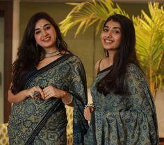 Simple Saree Designs, Simple Sarees, Trendy Sarees, Blouse Designs, Ajrakh Prints, Sarees For Girls, Cotton Saree Designs, Modern Saree, Saree Trends