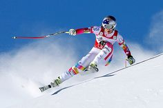 Lindsey Vonn speeds down the course during an alpine ski, women's World Cup downhill race - Marco Trovati/AP Photo World Cup Skiing, Women's World Cup, Lindsey Vonn Skiing, Ski Hill, Ski Racing, Alpine Skiing, Ski Ski, Feel Good Stories, Winter Olympics