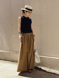 37 Top Women Skirt Outfits for this Season Fashion Mode, Japan Fashion, Look Fashion, Womens Fashion, Fashion Design, Skirt Outfits, Chic Outfits, Fashion Outfits, Estilo Street