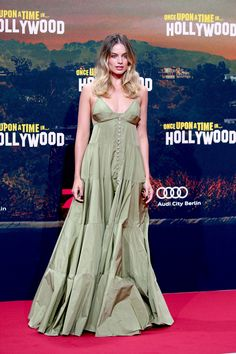 Margot Robbie Keeps Winning Summer's Red Carpets Celebrity Dresses, Celebrity Style, Margot Robbie Style, V Neck Prom Dresses, Club Dresses, Green Gown, Bustier Dress, Tank Dress, Online Dress Shopping