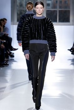 See the complete Balenciaga Fall 2014 Ready-to-Wear collection.