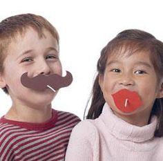 Suçons Moustache et lèvres