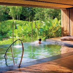 View pictures of exquisite indoor pool designs. An indoor swimming pool offers the luxury of year-round enjoyment as well as privacy. Indoor Pools, Amazing Swimming Pools, Cool Pools, Living Pool, Outdoor Living, Jacuzzi, Spas, Beautiful Pools, Beautiful Places