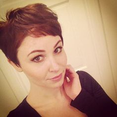 What was once a short haircut has become the standard for women seeking a streamlined and polished look. In order to add some softness to your new pixie. Brown Pixie Cut, Pixie Cuts, Short Pixie, Pixie Hairstyles, Down Hairstyles, Cut My Hair, Her Hair, Blonde Pixie Haircut, Brunette Pixie