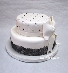 Black & White - by SlatkaKuća @ CakesDecor.com - cake decorating website