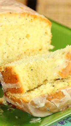 Matcha tea and nettle cake - HQ Recipes Lemon Dessert Recipes, Sweet Recipes, Cake Recipes, Cake Aux Raisins Secs, Oven Recipes, Cooking Recipes, Vanilla Sponge Cake, Pistachio Cake, Sweet Pastries