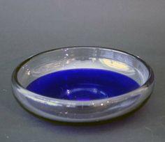 Krystallfat   I blått og klart glass, Hadeland, Willy Johansson.  Munnblåst.