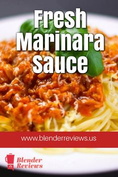 Making marinara sauce from those extra tomatoes. You can create a homemade marinara sauce with your blender. Simple recipes to stock up on your marinara. Healthy Blender Recipes, Gourmet Recipes, Vitamix Recipes, Jelly Recipes, Canning Recipes, Smoothie Recipes, Homemade Marinara, Marinara Sauce, Food Print
