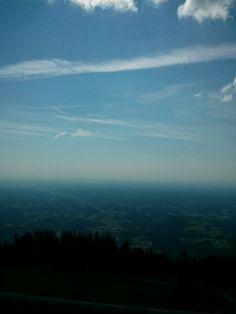 Herrlicher Ausblick, guter Service, gute Kuche! Der Aufstieg lohnt sich! Berg, Airplane View, Places To Go, Mountains, Travel, House, Viajes, Destinations, Traveling