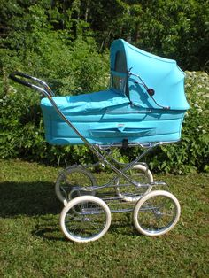 A stroller is one of the most important things you'll buy for your baby, but even with a proper test drive in the store, it's hard to anticipate how a stroller will handle real life. Check out the best strollers according to thousands of parents. Vintage Stroller, Vintage Pram, Umbrella Stroller, Pram Stroller, Double Strollers, Baby Strollers, Prams And Pushchairs, Baby Buggy, Jogging Stroller