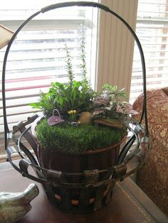 Easter Basket Mini Garden www.facebook.com/AmyKateMiniatureGardensTerrariums