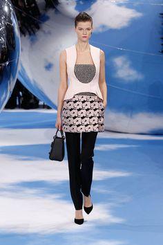 Fashion Tape, Dior Fashion, Womens Fashion, Christian Dior 2014, High Fashion Models, Silk Jacket, Fashion Seasons, Couture, Passion For Fashion