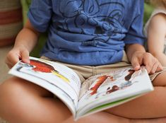 Does your child skip small words when reading? Solve this common problem with three easy steps. Reading Games, Reading Centers, Reading Fluency, Reading Strategies, Kids Reading, Guided Reading, Teaching Reading, Learning, Teaching Latin
