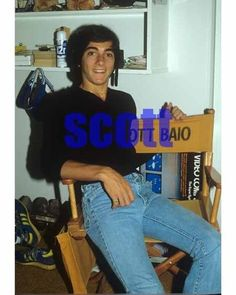 SCOTT BAIO #315,AT HOME CANDID PHOTO,closeup,HAPPY DAYS,charles in charge