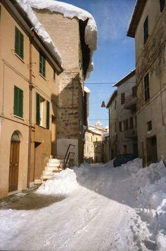 Matelica, 6 Gennaio 1993 -  Il giorno dopo della grande nevicata