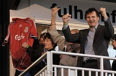 Liam Neeson and sons Michael and Daniel cheer on their beloved Liverpool FC at Craven Cottage, home of Fulham. i knew i loved liam for a reason. this is the reason Liverpool Fans, Liverpool Home, Liverpool Football Club, Team Games, Soccer Games, Best Football Team, Football Fans, Actor Liam Neeson, Jin