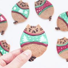 Happy #NationalCookieDay! For more awesome cookies, visit ➡ @elleventy! #regram