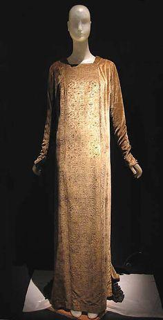 Evening dress,  Mariano Fortuny, c. 1910.